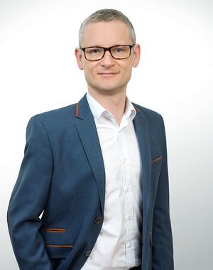 Tomasz Lesniewicz 3 resized crop 300×400
